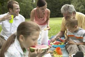 How to Organize a Green Picnic via @NatGeoGreen