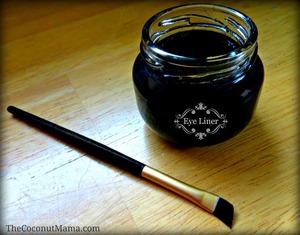 Homemade Non-Toxic Eye Liner via The Coconut Mama