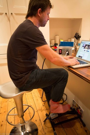 A pedal desk, feasible or fantasy? Pedal to charge your laptop via Electric Pedals