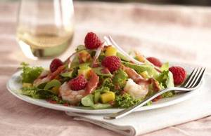 Sustainable Raspberry, Shrimp salad