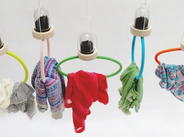 Lisa Bengtsson's Activated-Charcoal Hangers Keeps Clothes Fresh Without Washing | Ecouterre