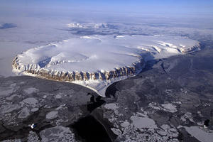 With Arctic sea ice vulnerable, summer melt season begins briskly (+video)