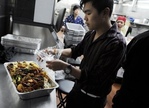 Some Valley restaurants try to help feed the poor with leftovers - fresnobee