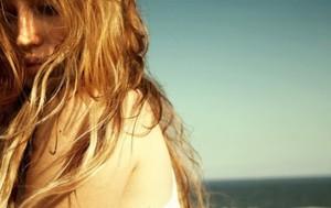DIY: 5 Ways to Naturally Highly Your Hair | EcoSalon