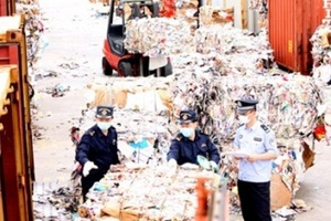 Chinese authorities maintain Green Fence pressure - letsrecycle.com