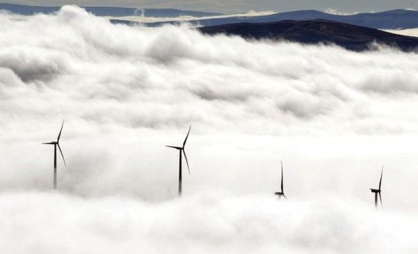 No new wind energy projects in gusty Wyoming in 2012