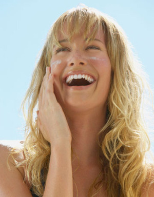 21 Affordable Natural Sunscreens via @dailygreen