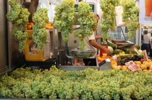 Grapes in Valencia's Mercado Central http://t.co/BnBc50YOgH #markets #localfood #spain