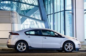 Plug-In Electric Car Sales For Aug: Volt, Leaf Hit New Highs, Total Exceeds 10,000