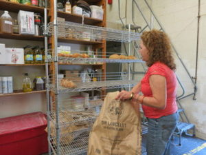 Community Plates: Fighting Hunger, Reducing Waste