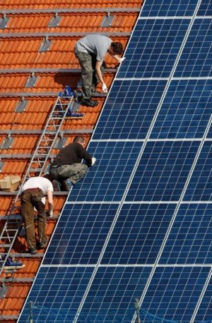 Solar Power Begins to Shine as Environmental Benefits Pay Off via @NYTimes