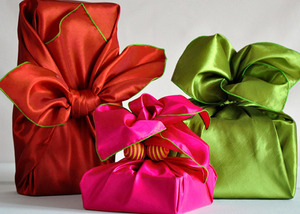11 Low-Waste Gift Wrapping Alternatives to Buy or DIY via Earth911
