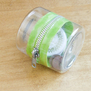 Upcycle it! Plastic-Bottle Zipper Container #upcycle #recycle