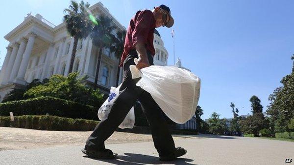 California imposes plastic bag ban