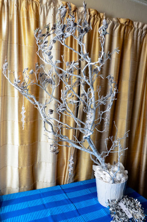 Decorating with tree branches - bring nature indoors