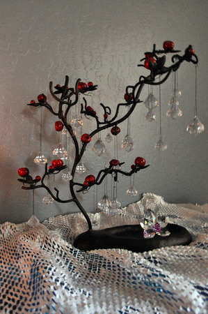 Jewelry hanger tree centerpiece
