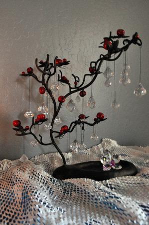 Jewelry hanger tree centerpiece