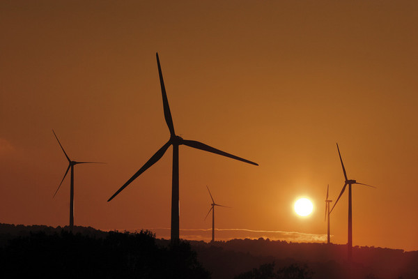 Spanish windfarms produced more electricity than any other source ..